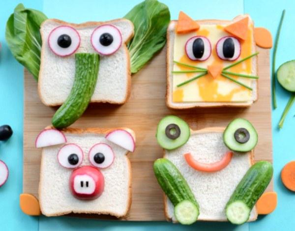 Cztery kanapki jako głowy zwierzątek